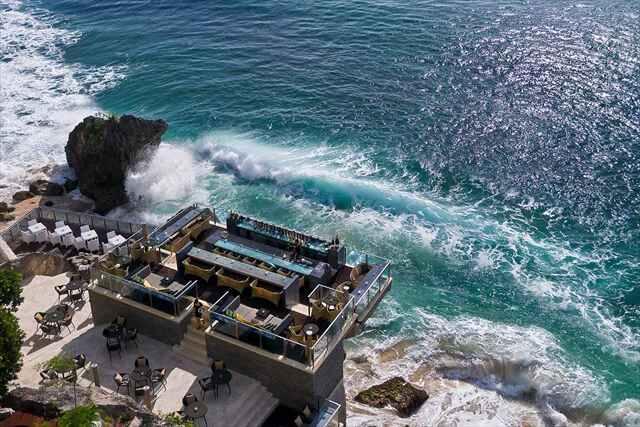 ★バリ島人気ホテル常連★≪アヤナリゾート≫に宿泊×便利な直行便利用!