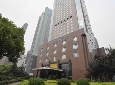 グランドソリュクスツォンユウホテル上海<br>(中油陽光大酒店)