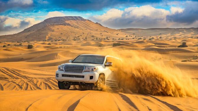 【体験記】ドバイの定番観光!砂漠を満喫「デザートサファリ」ツアー体験!