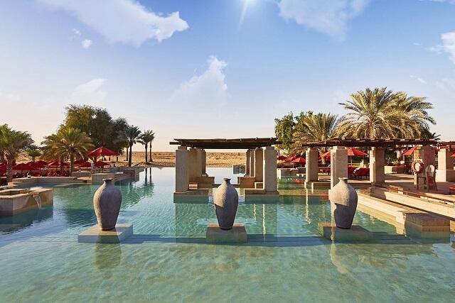 《砂漠リゾートホテル泊》砂漠で過ごす豪華旅「バブ アル シャムス」宿泊×直行便で行くドバイ旅