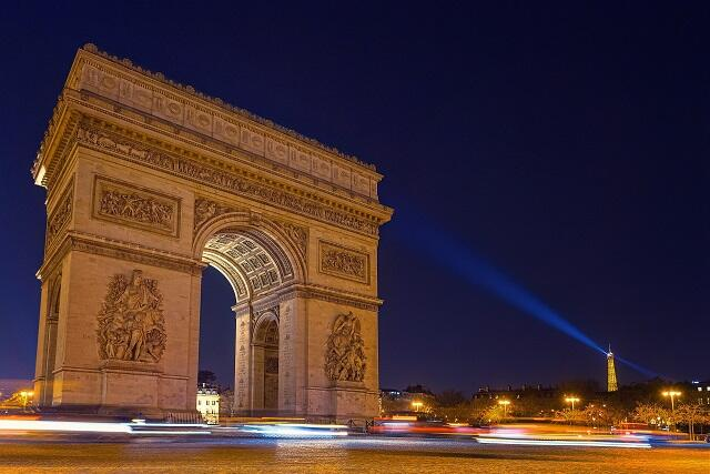 【パリ×ドバイ】一度の旅行で2度楽しい!花の都パリ×最先端の都市ドバイの2か国周遊プラン