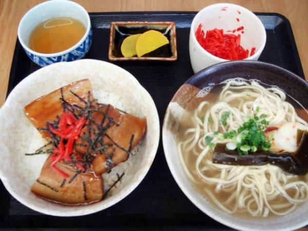 沖縄限定の食べ物まとめ