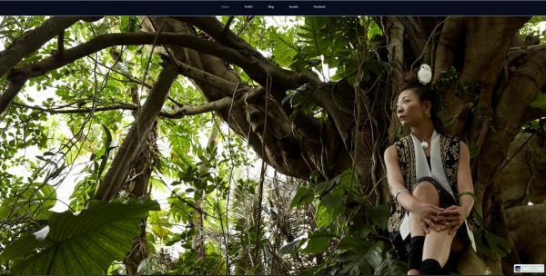 キャンドルデコレーションされた沖縄で聴く幻想的な木歌の音楽