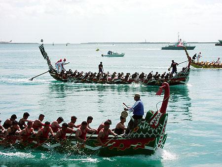 海人たちの祭典、「ハーリー」