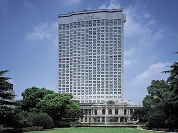 上海花園飯店(ホテルオークラ上海)ホワイトベアーファミリーのハッピーホリデーツアー