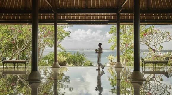 ガルーダインドネシア航空直行便×人気ホテルツアー年末年始バリ島旅行!