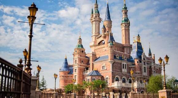 上海市内ホテル泊+ディズニー1デー・パス付き送迎付きプラン