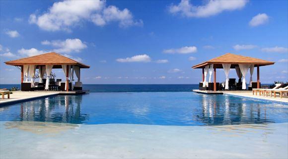 青空と緑に囲まれた、バリ島。