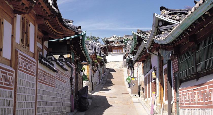 到着日限定「 韓屋の街歩きとブレスレット手作り」観光ツアー付き!安心の往復送迎付プラン♪