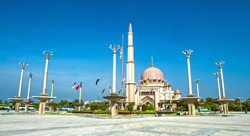 インスタ映えで話題『ピンクモスク』など人気スポットを巡るクアラルンプール旅行