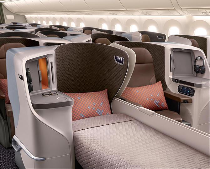 人気のシンガポール航空ビジネスクラスを初体験!空の旅をリポートします♪