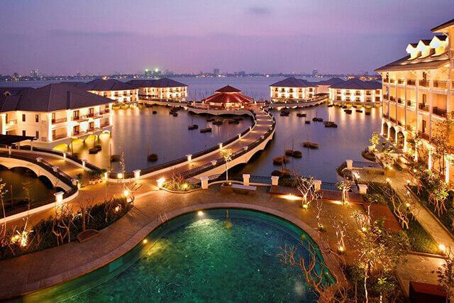 《ハノイ》湖に浮かぶ、ロマンチックな5つ星ホテル「インターコンチネンタルハノイ ウエストレイク」宿泊ツアーはこちらから