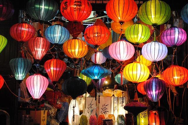 《ダナン》ランタンが美しい世界遺産の街、夜のホイアン旧市街散策オプショナルツアー付きツアー
