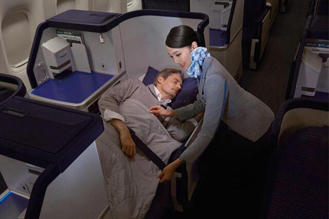 空港ラウンジ利用OK!座席指定も可能!ANA(全日空)ビジネスクラスで優雅なハノイ旅行